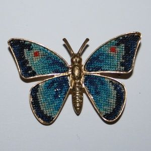 Beautiful vintage butterfly brooch
